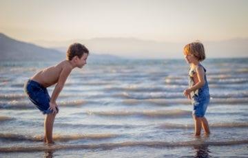 過保護で過干渉な親に育てられた子供達の傾向
